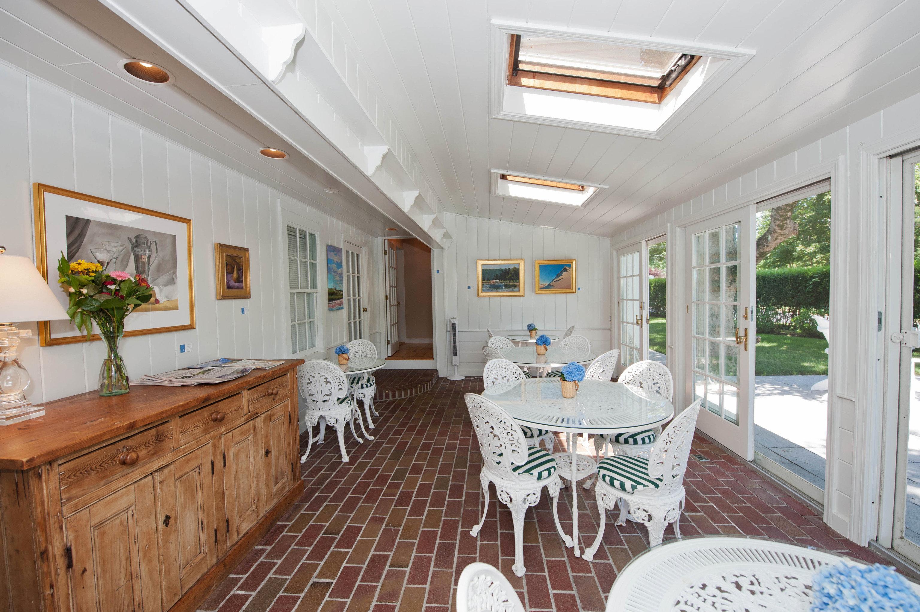 property home cottage farmhouse Villa living room mansion