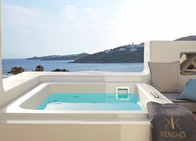 sky swimming pool property ecosystem jacuzzi Villa vehicle