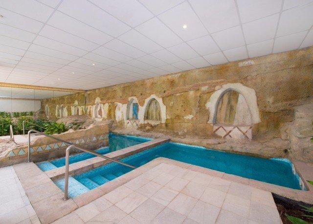 swimming pool property hacienda Villa tiled