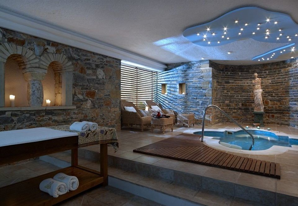 swimming pool property living room mansion jacuzzi Villa