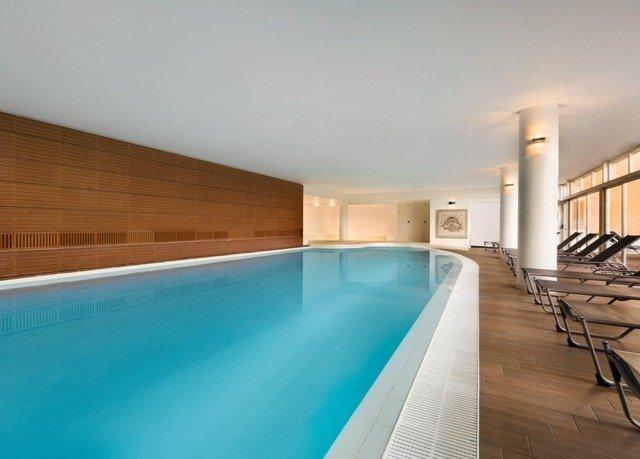 swimming pool property Villa jacuzzi