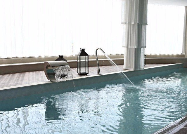 water swimming pool property vehicle Villa yacht