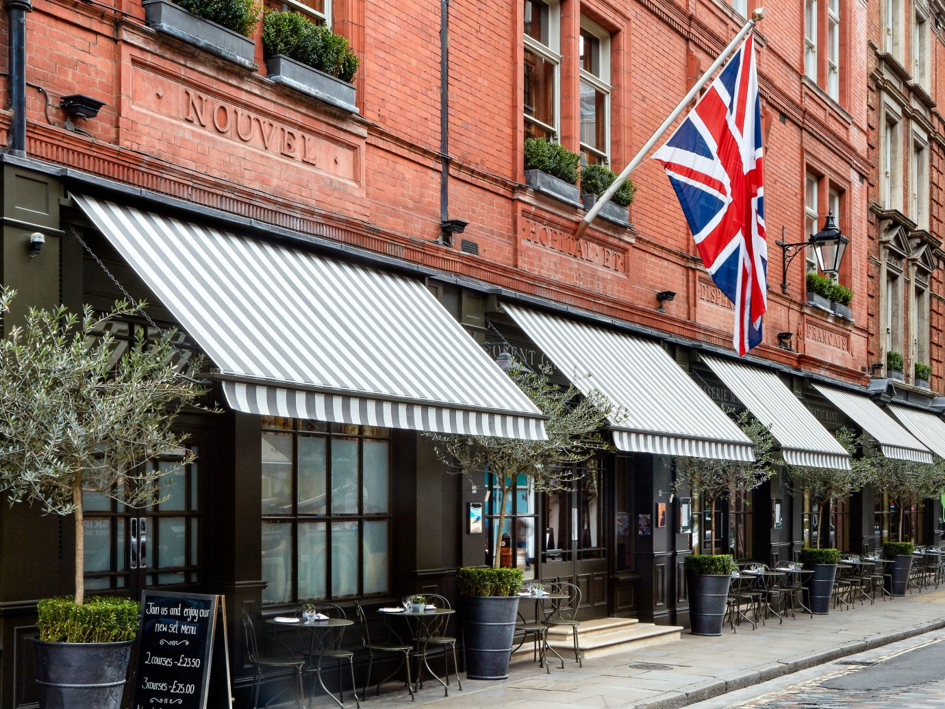 Boutique Hotels London Romantic Hotels building outdoor neighbourhood Town awning City facade street metropolitan area window Downtown house