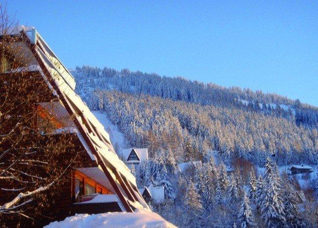 sky snow mountainous landforms Winter mountain weather geological phenomenon season mountain range ridge piste