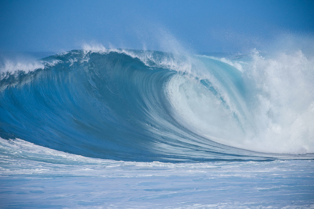 Large wave in Honolulu, Hawaii