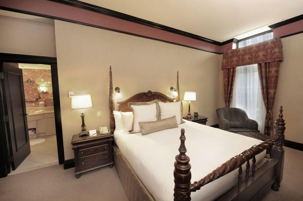 Canada Hotels Toronto indoor wall bed room floor Bedroom property ceiling Suite interior design real estate estate hotel window