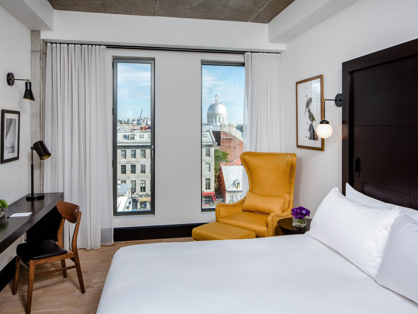Boutique Hotels Chicago Hotels indoor wall room floor bed ceiling Suite Bedroom white interior design hotel window real estate furniture comfort interior designer several