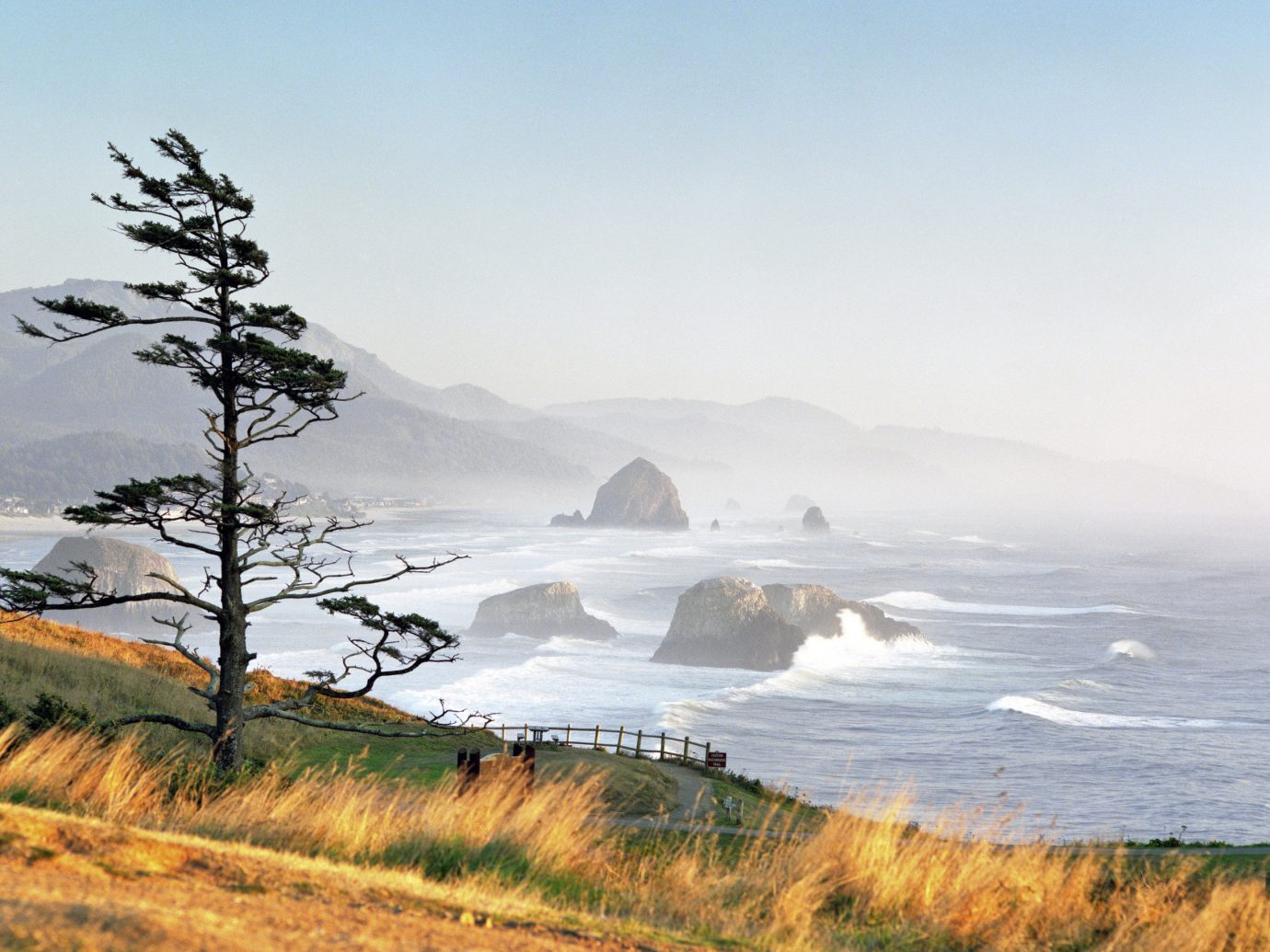 America Beach Trip Ideas West Coast outdoor sky grass Nature mountain atmospheric phenomenon landform wilderness cloud body of water Coast weather shore horizon loch Sea morning hill Ocean landscape Lake mist cliff terrain wave reflection hillside highland