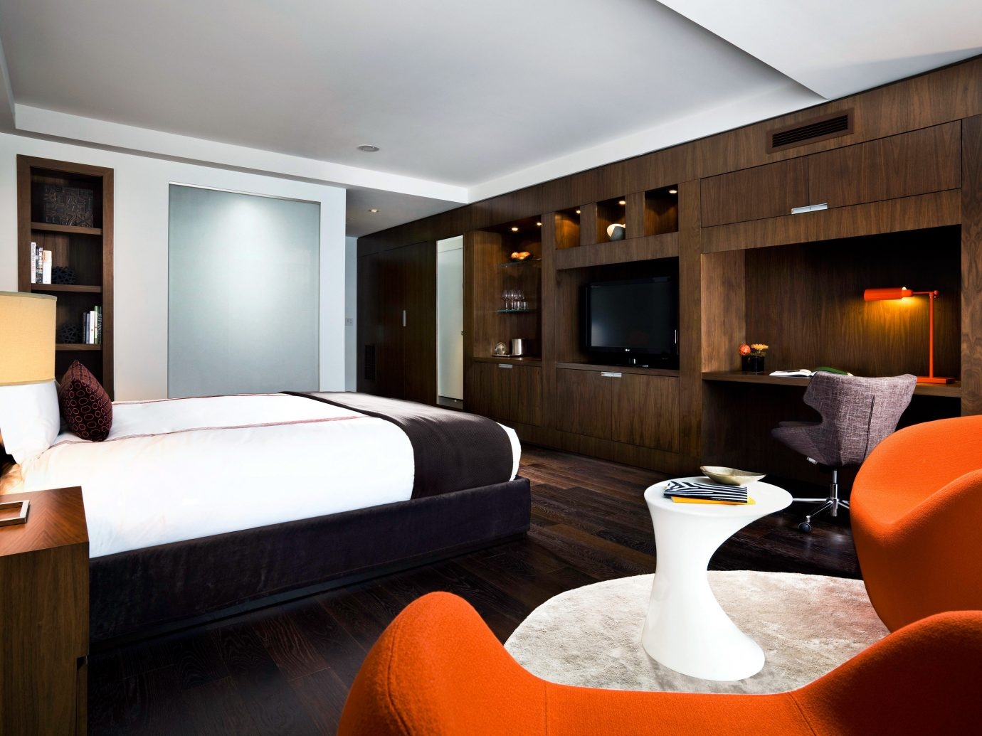 Bedroom Canada City Hip Hotels Modern Toronto indoor ceiling wall room property Suite yacht interior design estate living room home orange real estate passenger ship Design vehicle condominium furniture