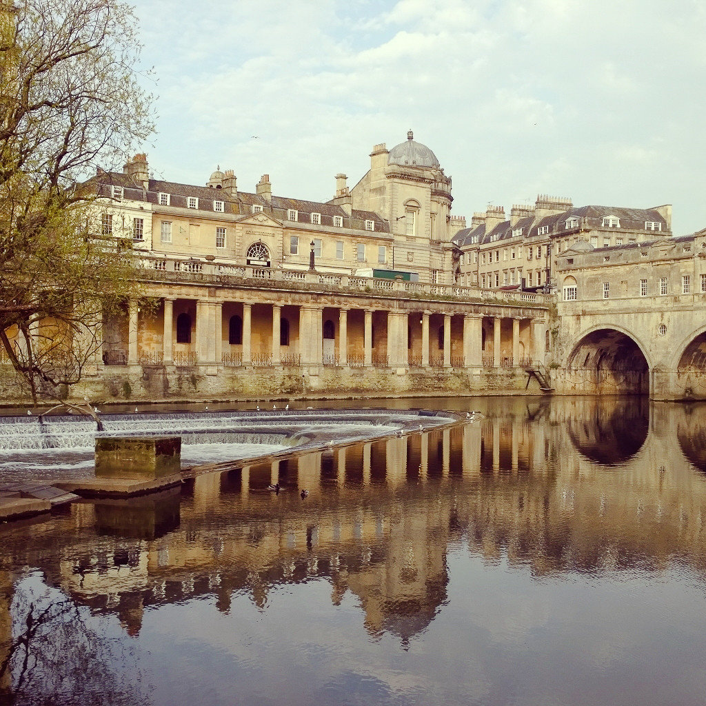reflection landmark palace waterway water historic site tourist attraction sky building stately home estate ancient history château reflecting pool facade classical architecture tree