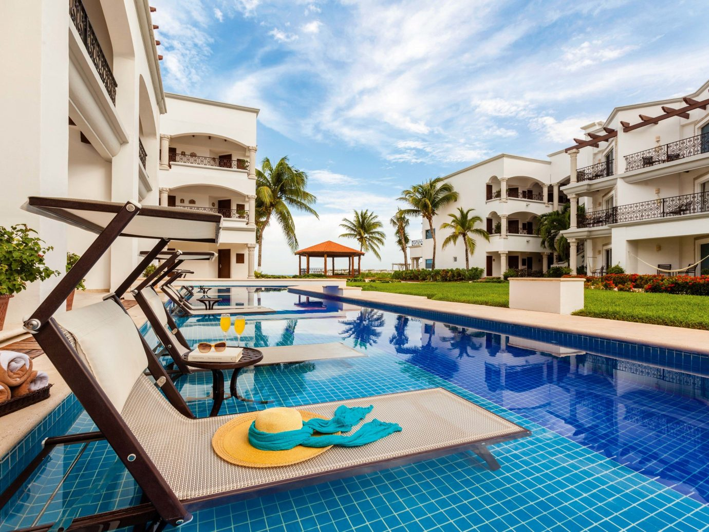 All-inclusive All-Inclusive Resorts Mexico Riviera Maya, Mexico property Resort swimming pool leisure estate real estate Villa condominium apartment vacation hotel home hacienda resort town penthouse apartment building