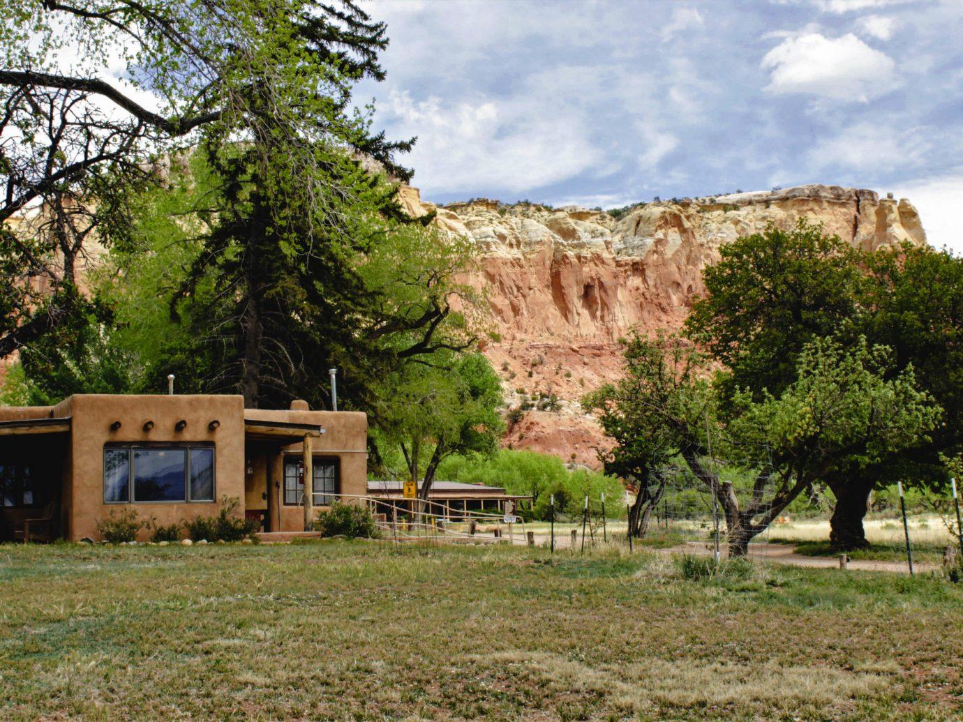 tree rural area home national park landscape real estate house cottage rock grass Village plant hacienda estate sky
