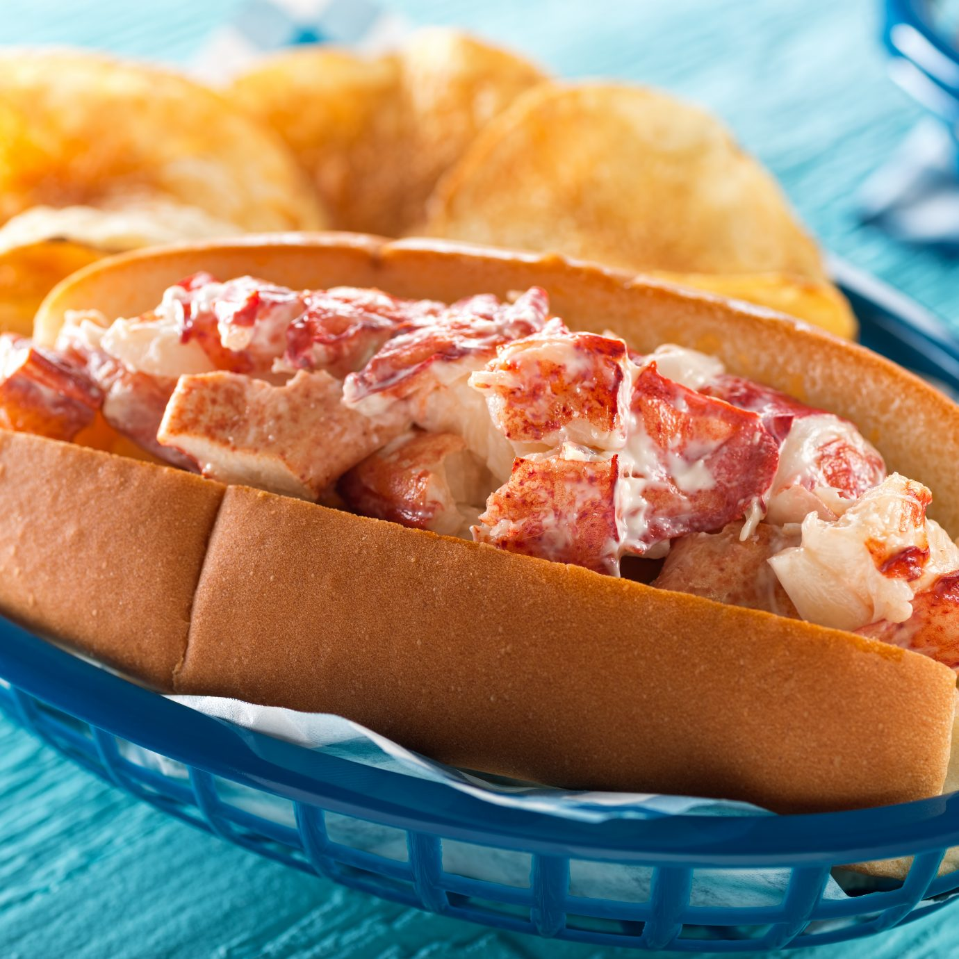 What to eat in every state this summer, lobster roll from Maine