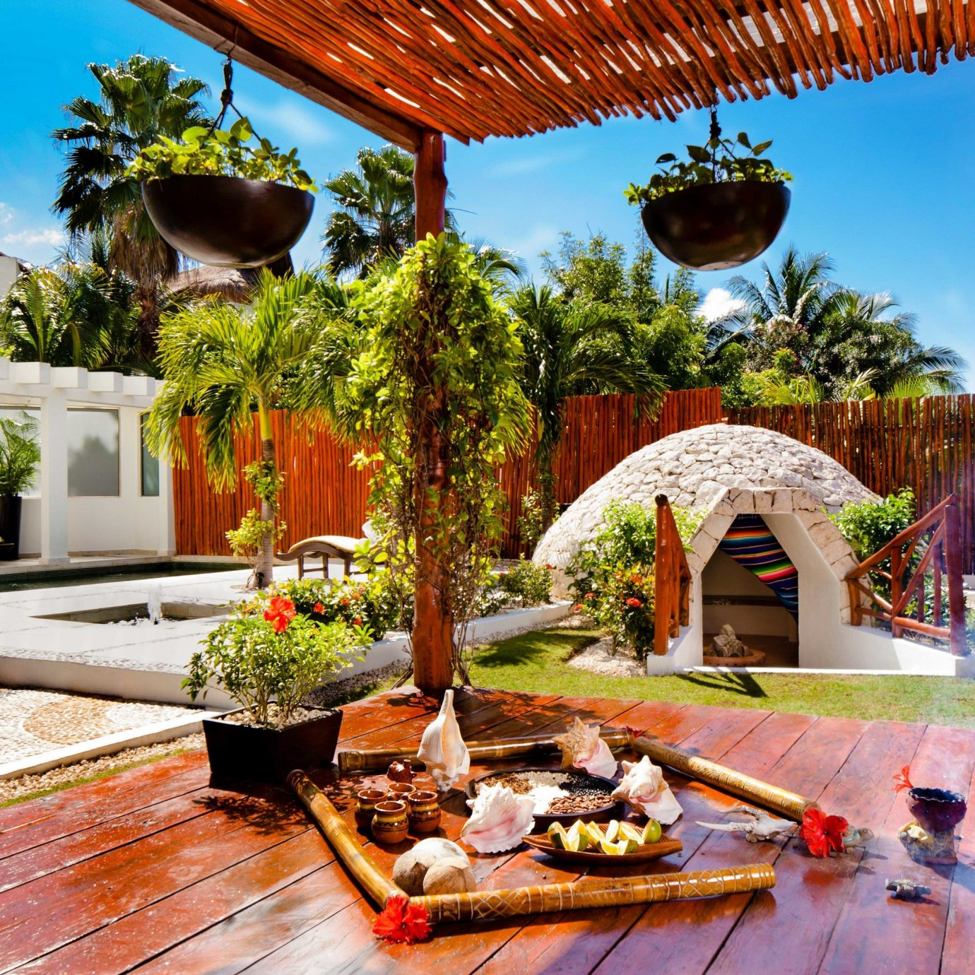 All-Inclusive Resorts property Resort plant backyard hacienda home leisure outdoor structure Courtyard Villa landscaping