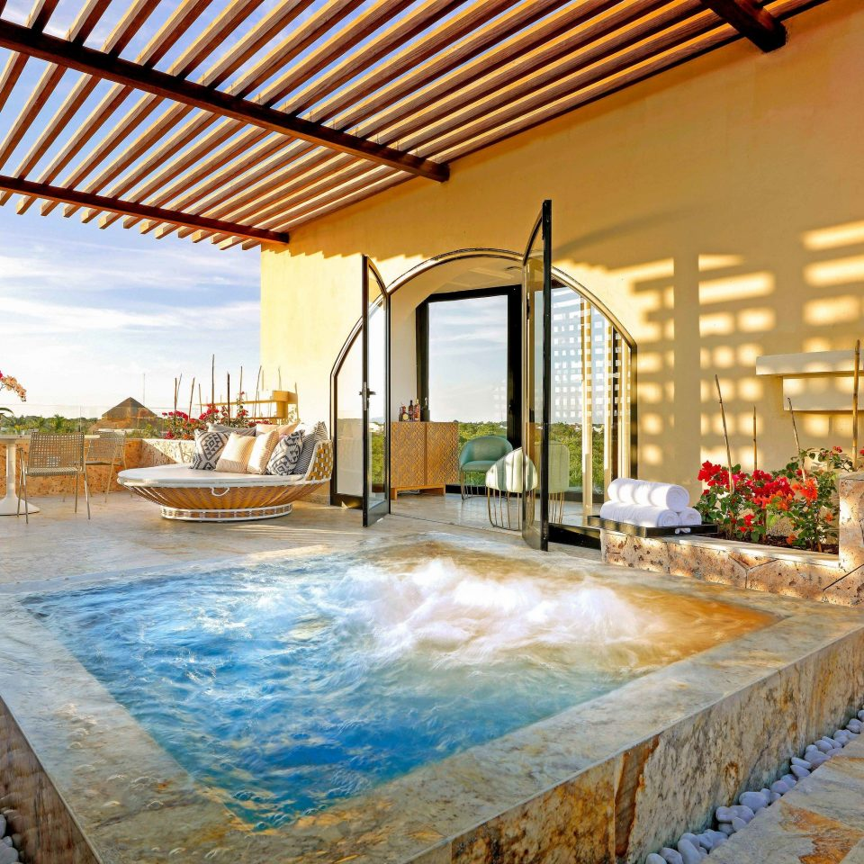 property swimming pool home Resort leisure Villa hacienda penthouse apartment amenity