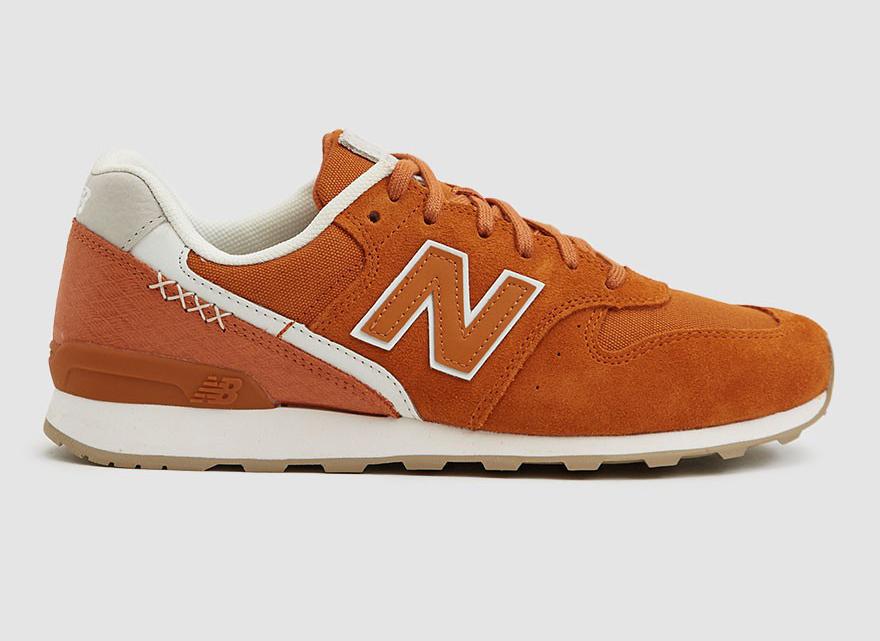 New Balance 696 Sneaker in Orange
