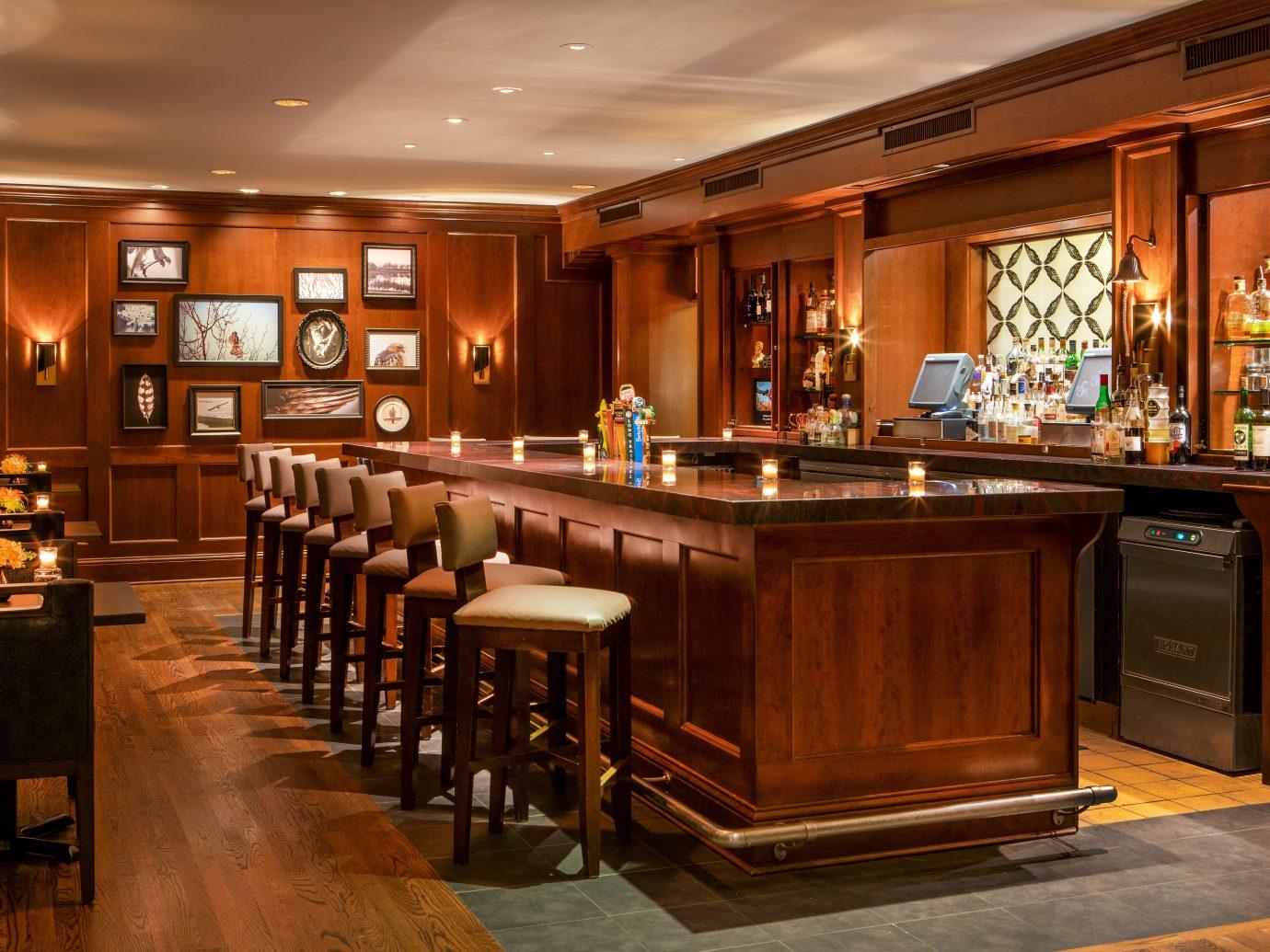 Falcon Bar