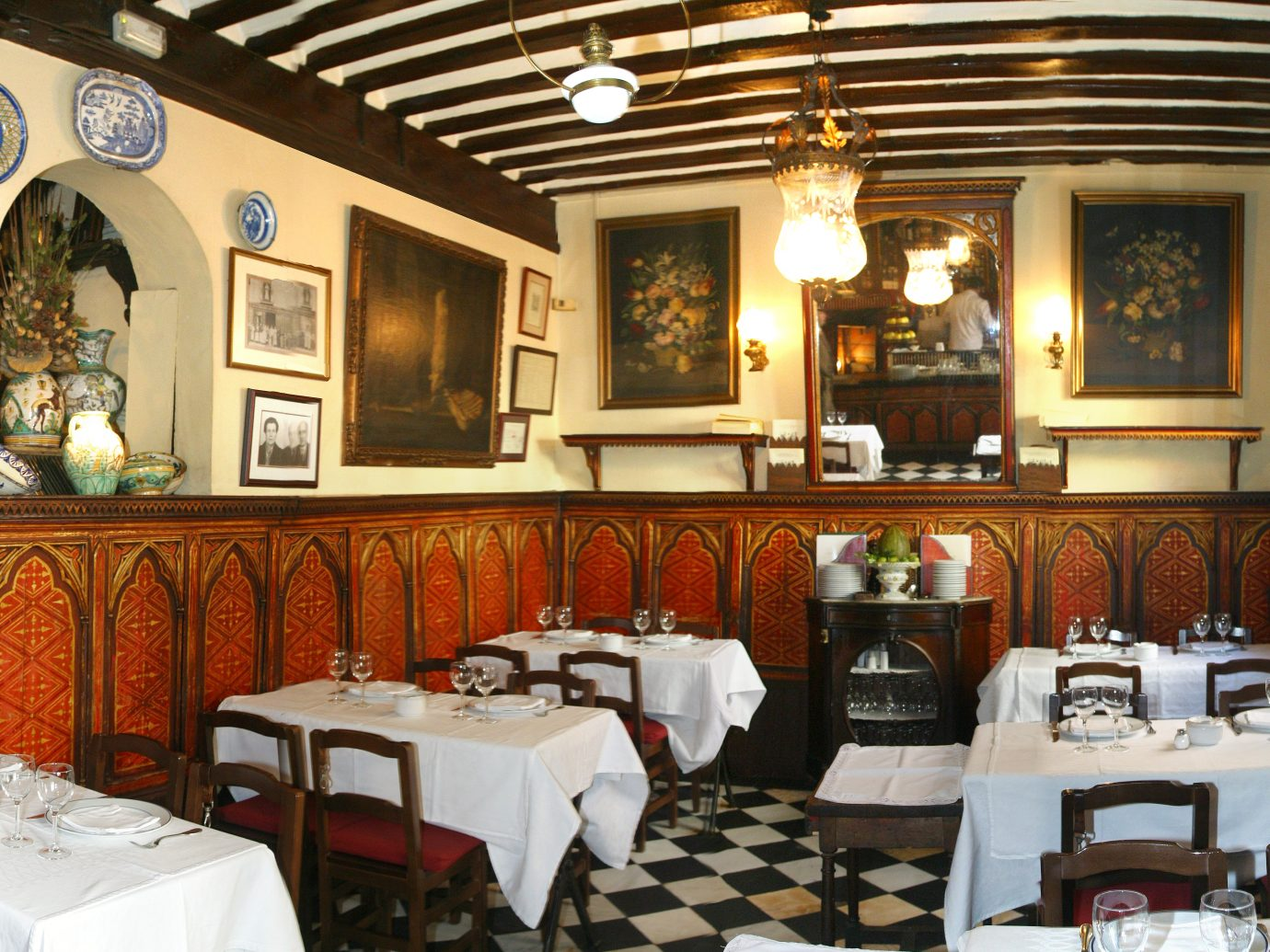 dining room at Botin restaurant