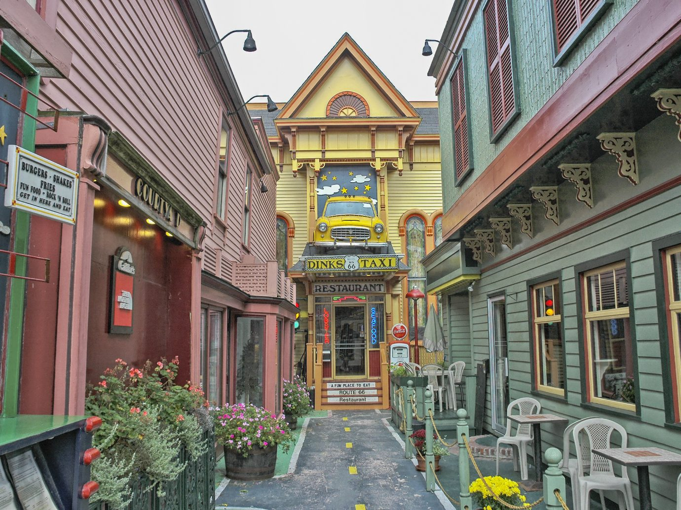 Bar Harbor, Maine, USA - October 12, 2005: This colorful restaurant is located at the end of an alley off the main street in Bar Haror Maine, this colorful bar and restaurant is very popular in the area and a real treat for the patrons to enjoy with their varied menu choices especially for the many visitors to this region during the Autumn where the tourist as well as the locals come to celebrate the season and on this September day it was a pleasure to enjoy.