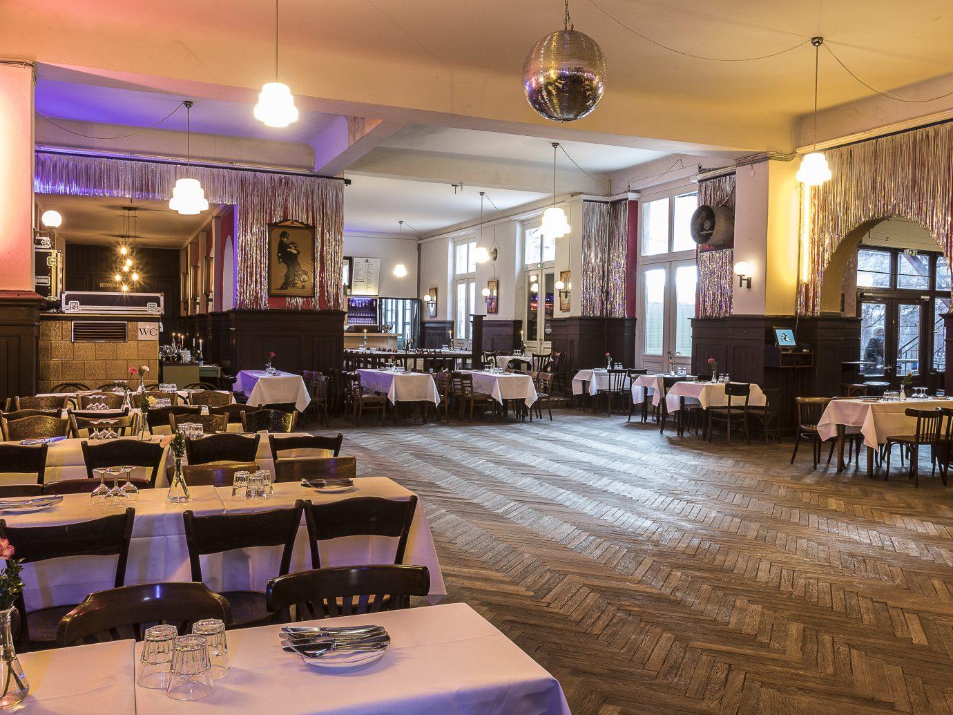 Claerchens Ballhaus dining room