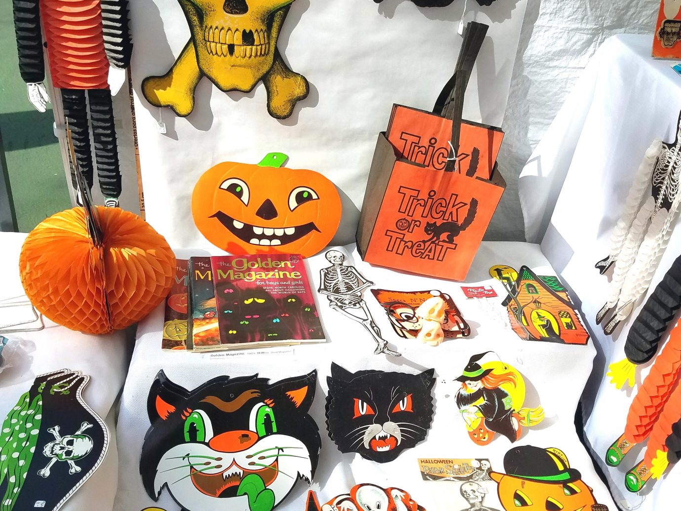 halloween decorations at Scary Bazaar