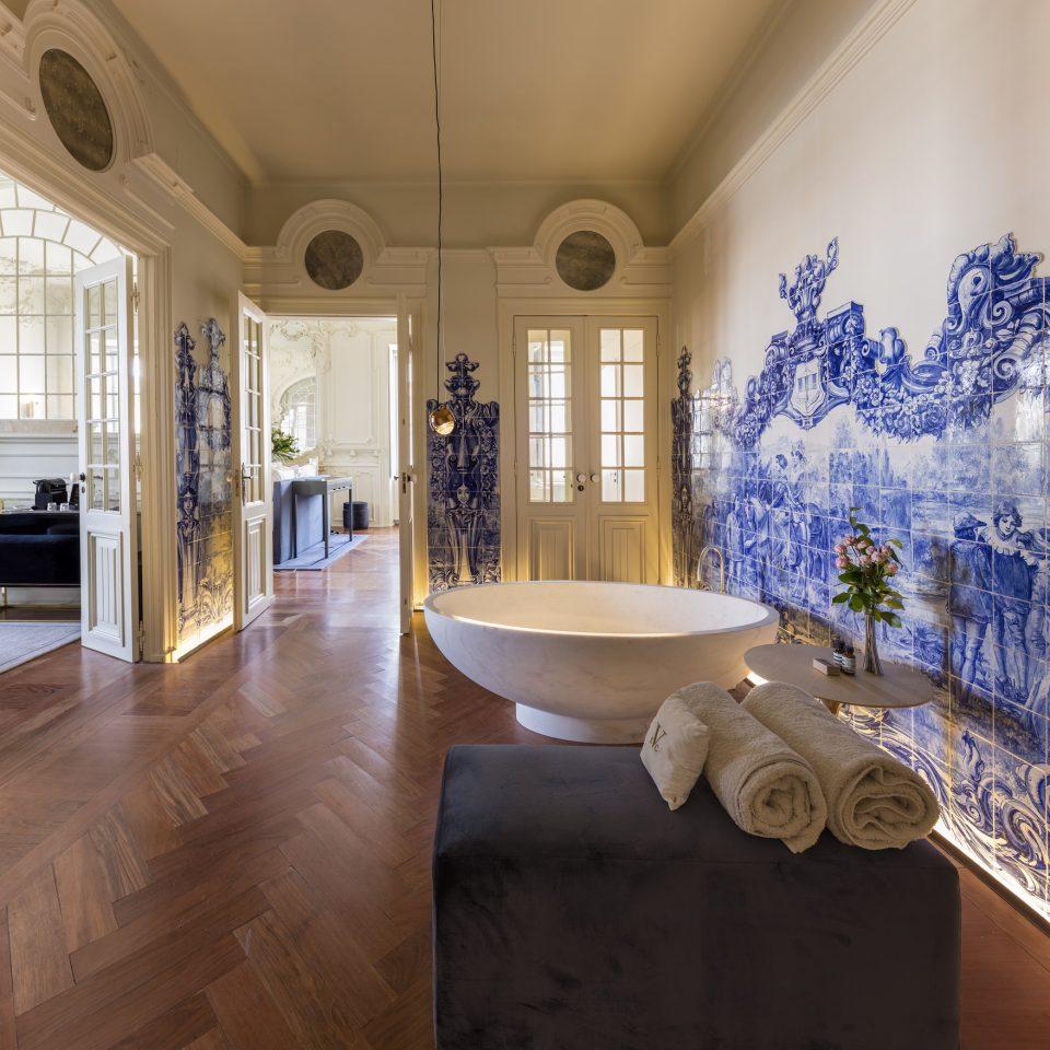 Luxurious marble bathtub at Verride Palácio Santa Catarina