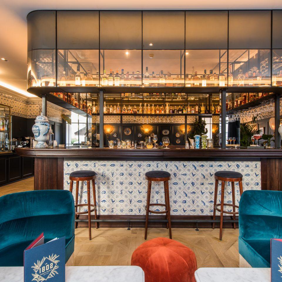 Bar frontal view, Hôtel Monte Cristo