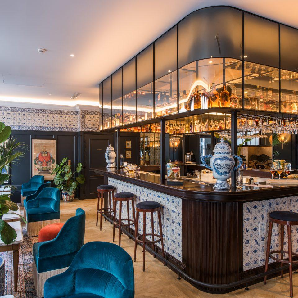 Middle bar design at Hôtel Monte Cristo