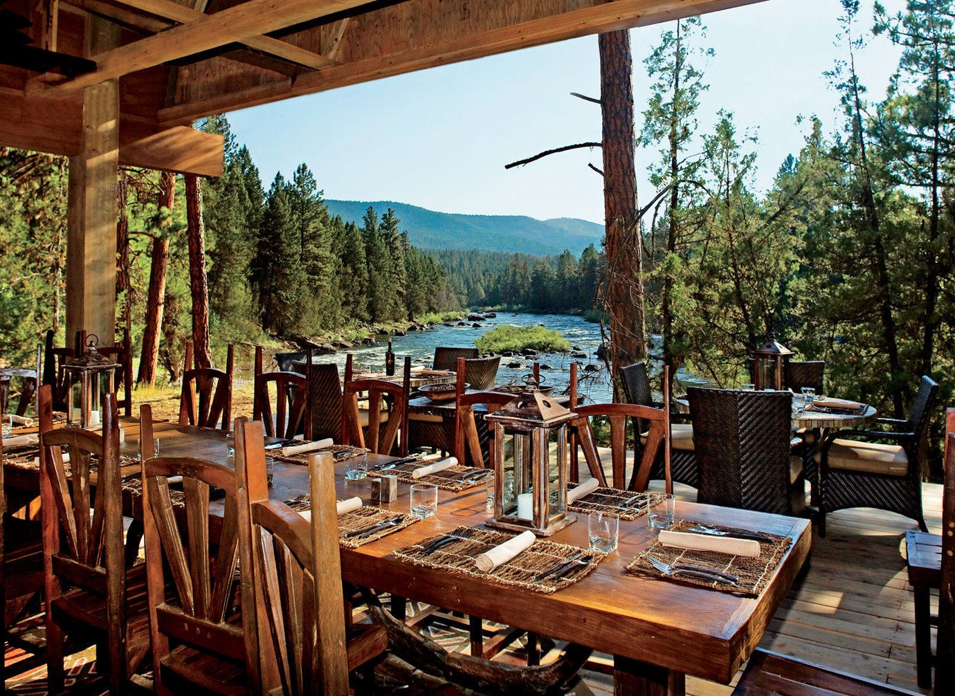 outdoor dining at Resort at Paws Up