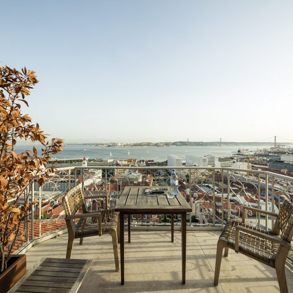 Private balcony with a view of Lisbon at Verride Palácio Santa Catarina