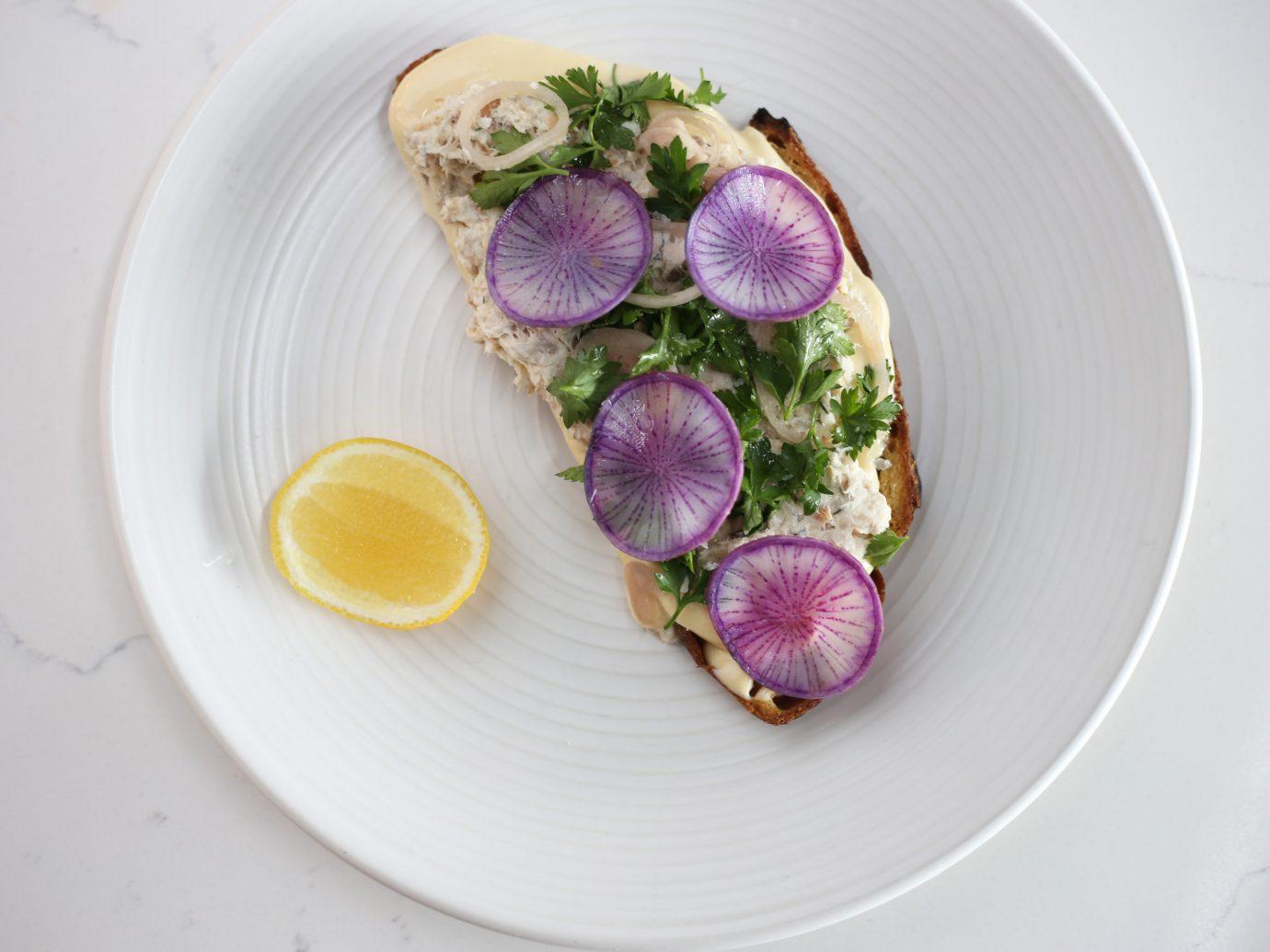 Tuna toast