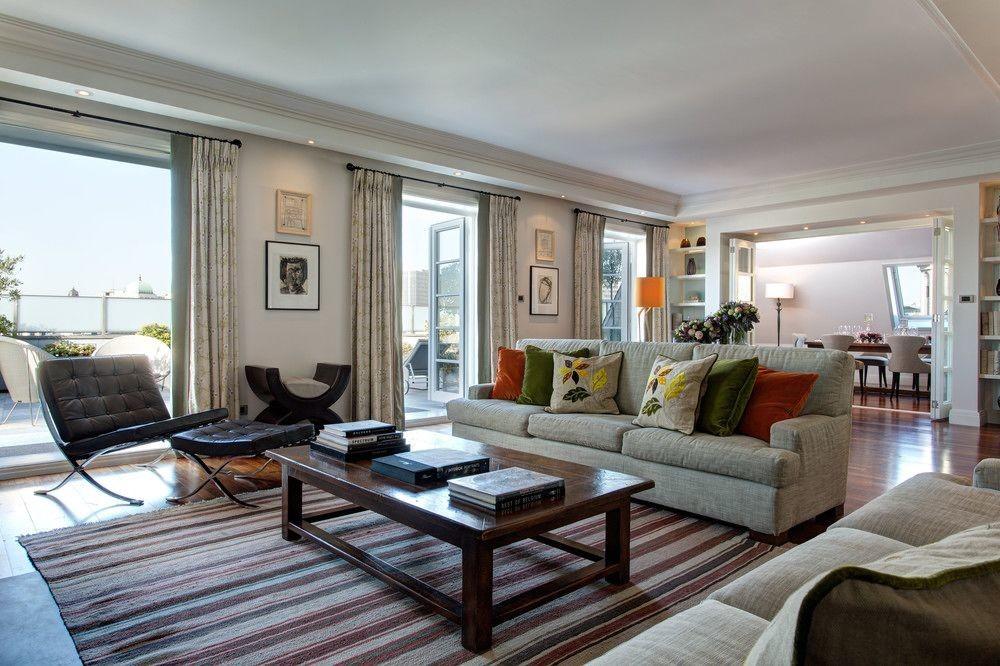 Living room at Hotel Amigo