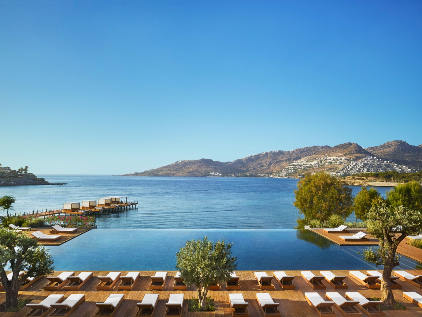 The Bodrum EDITION pool