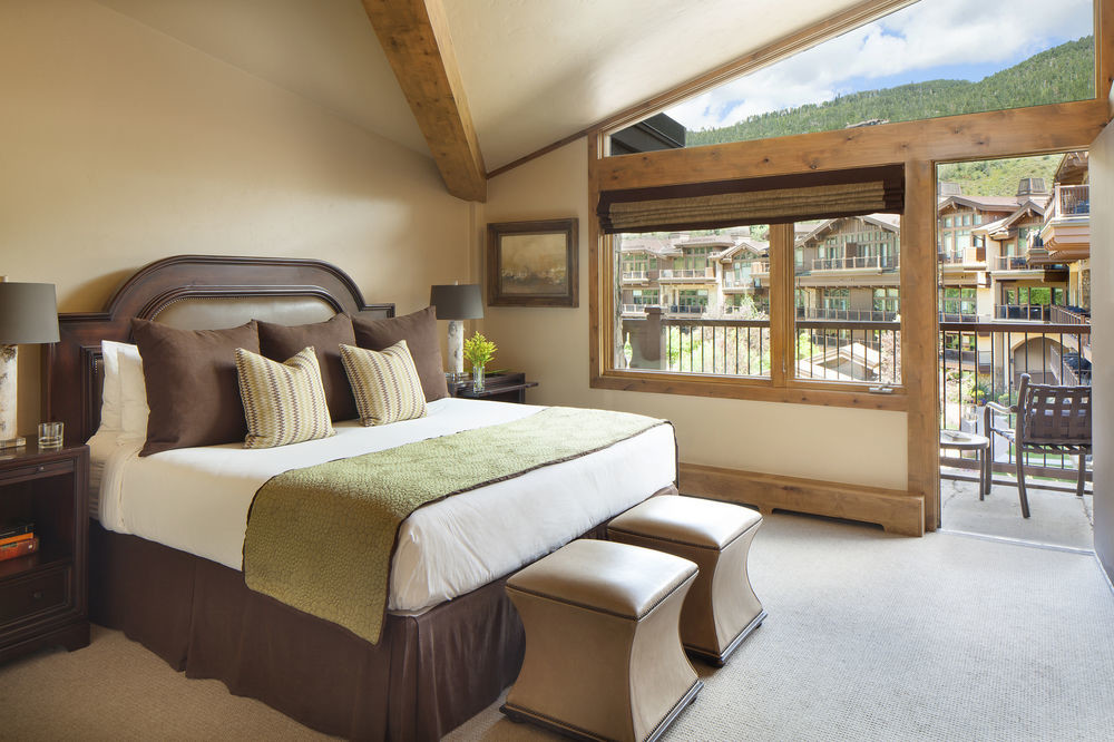 Bedroom at Manor Vail Lodge