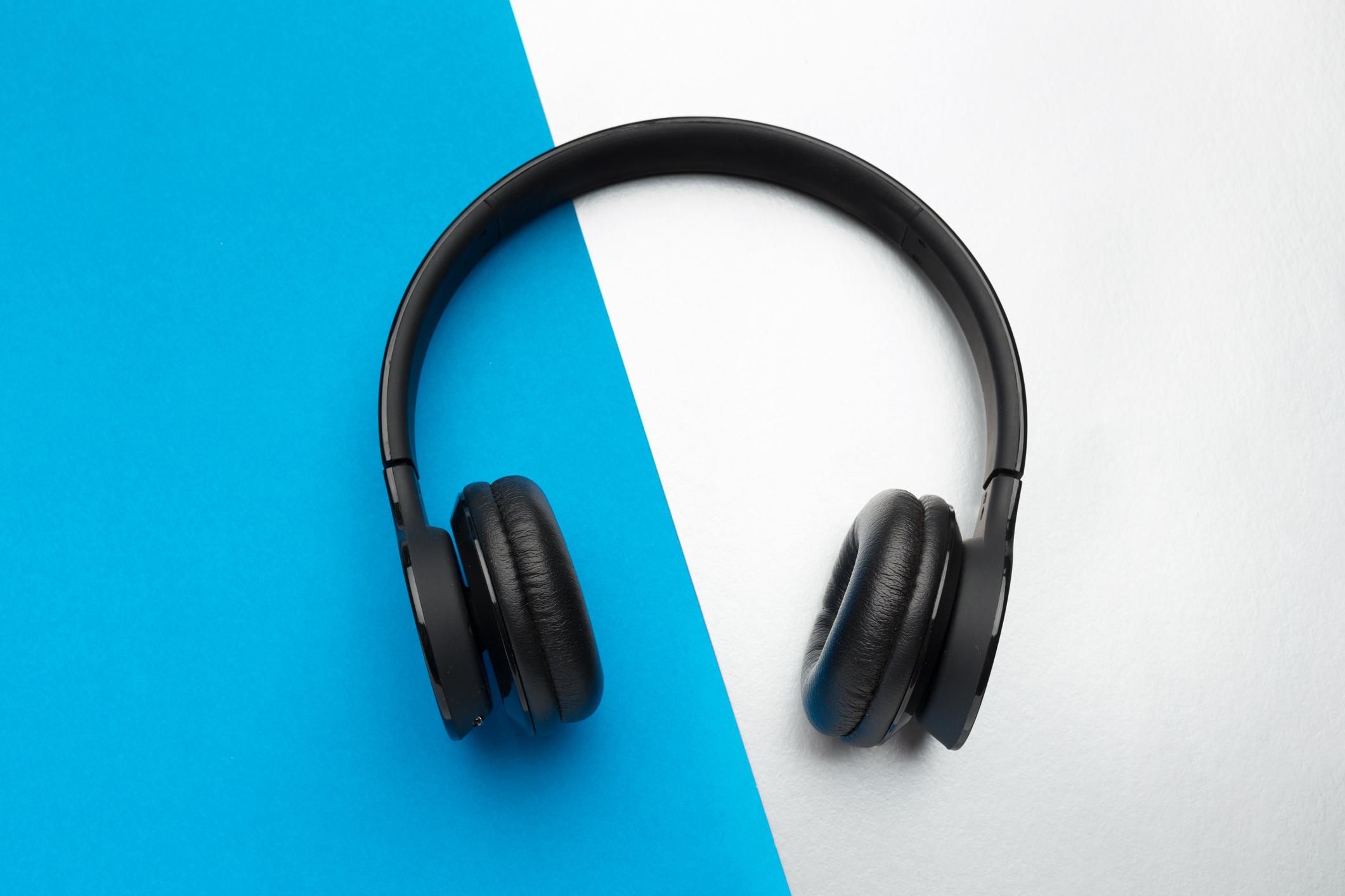 ebd2fdae75adbb The 8 Best Noise-Cancelling Headphones under $100 (2019) | Jetsetter
