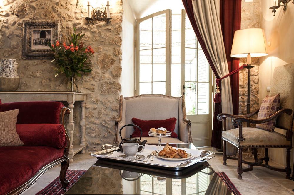 Room service at Borgo Santo Pietro