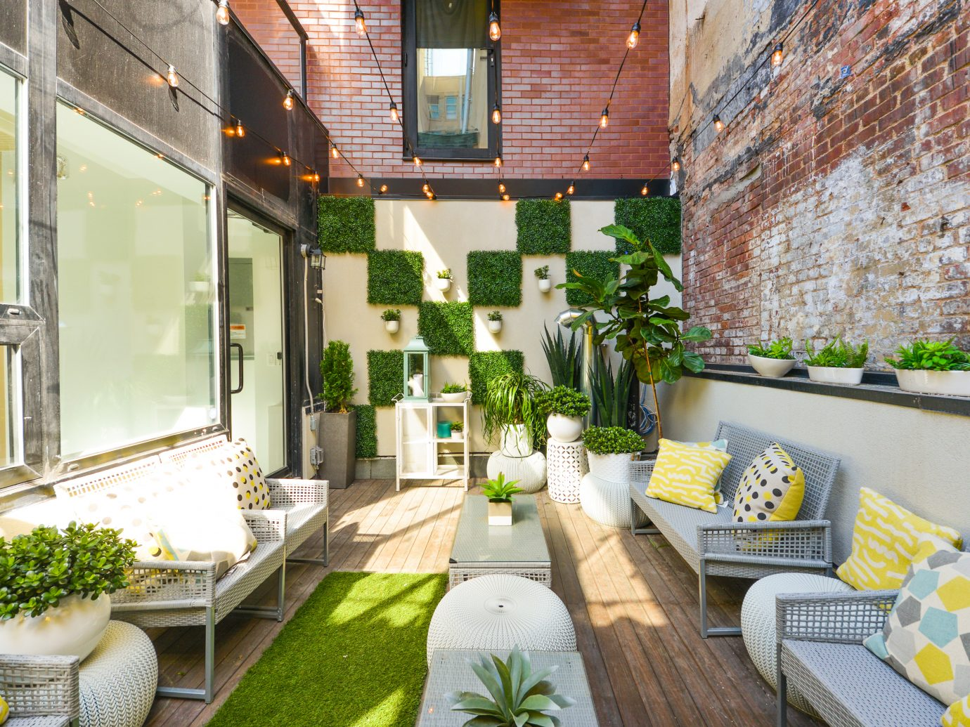 Outdoor area at Fox & Jane salon NYC