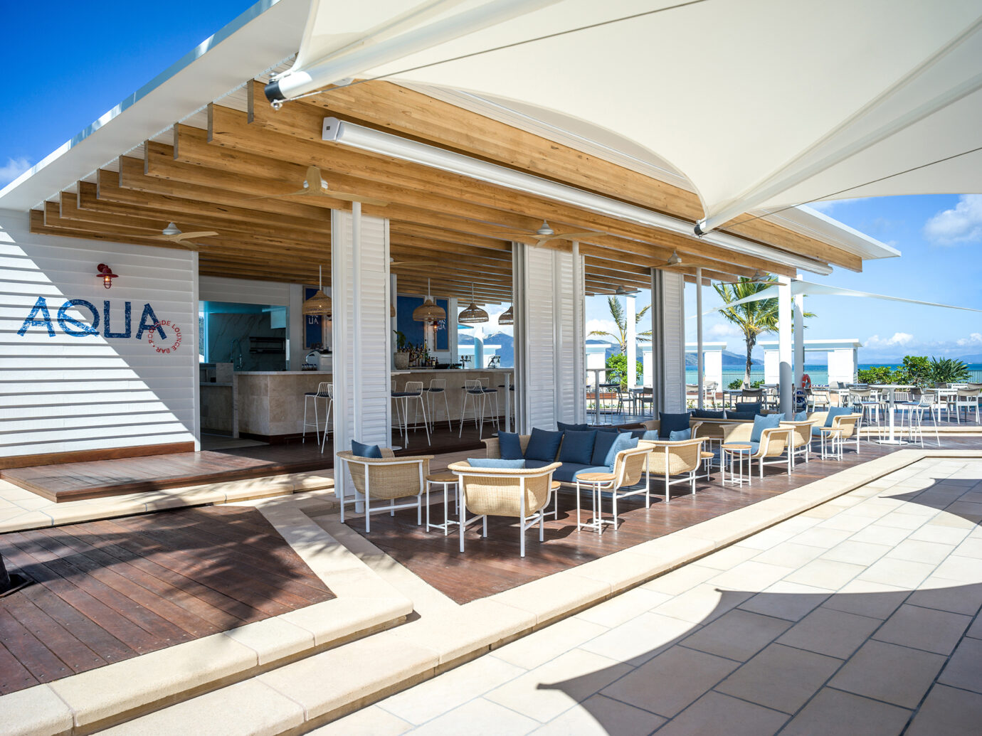 Outdoor restaurant at InterContinental Hayman Island Resort