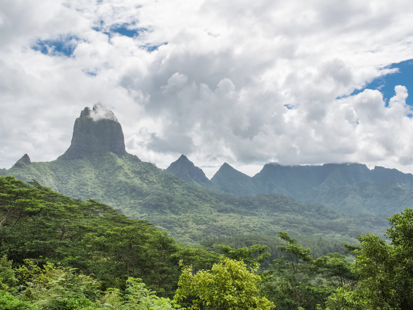 Moorea in Polynesia, Opunohu belvedere, beautiful panorama of the mountains