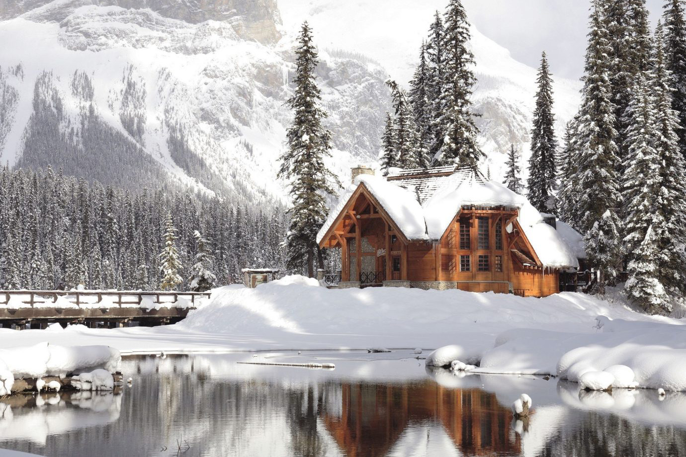 The Coziest Cabins to Visit This Winter