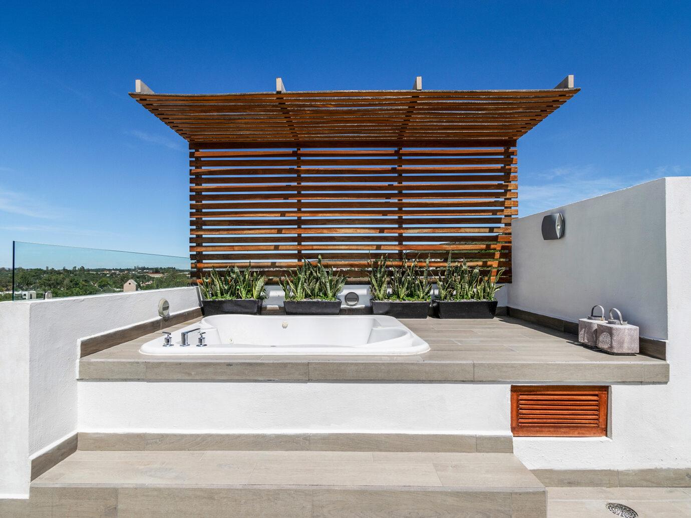 Rooftop hottub at Casa Delphine, San Miguel de Allende