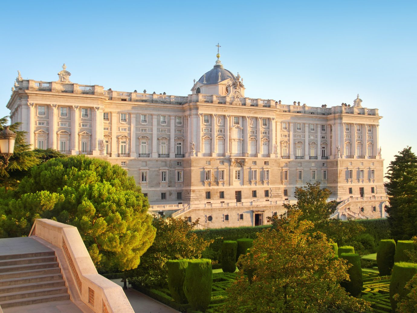 Hotels outdoor landmark building palace stately home château Architecture estate facade mansion castle plaza government building