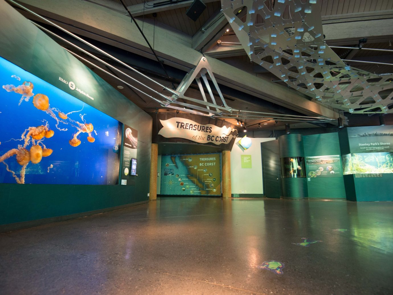 Trip Ideas floor indoor stage tourist attraction platform interior design theatre space subway