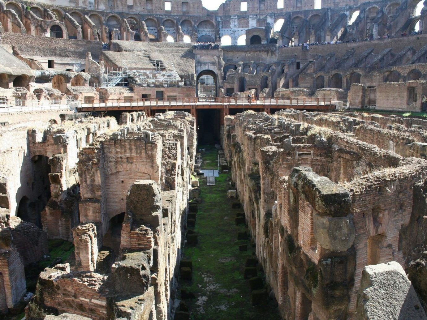 Trip Ideas building outdoor structure ancient rome landmark ancient history human settlement Ruins ancient roman architecture amphitheatre old arch stone