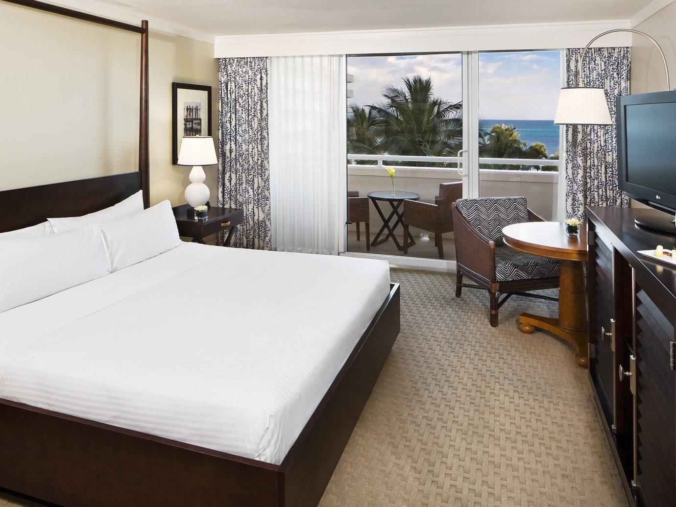 Bedroom at Meliá Nassau Beach