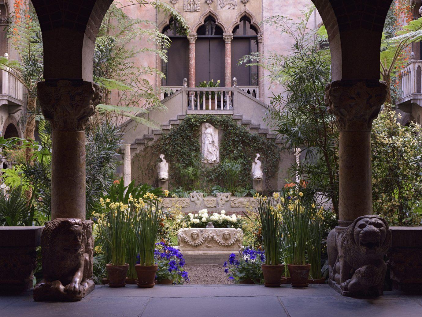 Exterior of Isabella Stewart Gallery.