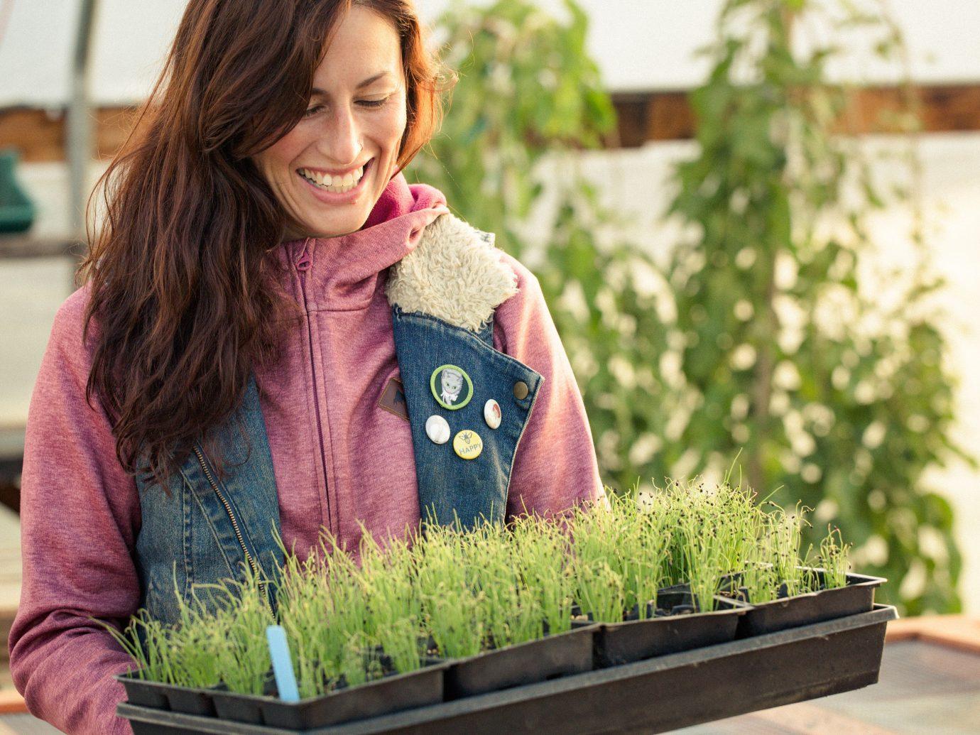 Food + Drink person green floristry flower arranging flower floral design Design