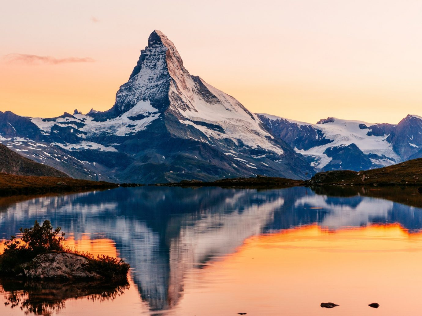 Trip Ideas mountain sky snow outdoor mountainous landforms reflection Nature landform atmospheric phenomenon wilderness Lake sunrise dawn cloud morning loch Sunset mountain range Winter background dusk landscape evening Sea ice overlooking distance