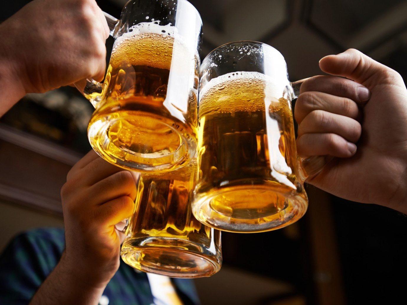 Trip Ideas person indoor Drink glass alcoholic beverage distilled beverage beer alcohol whisky hand sense wine bottle
