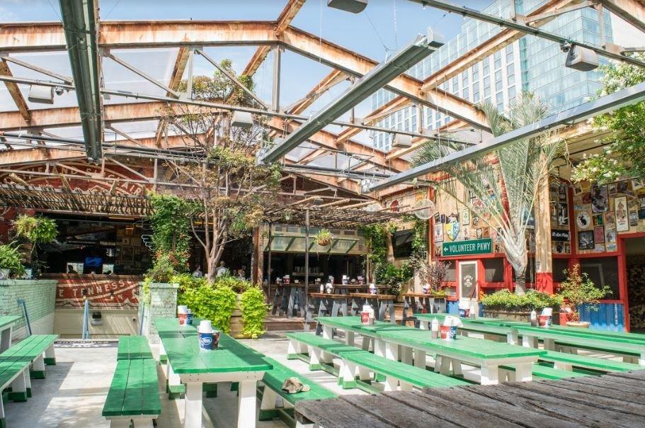 Food + Drink building ground outdoor green Resort real estate plaza outdoor structure restaurant area